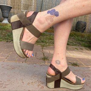 """OTBT """"Bushnell"""" Platform Wedge Sandals"""